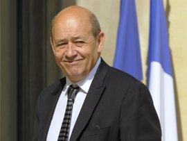 """El portavoz de ¡En Marcha! dice que el socialista Jean-Yves Le Drian sería """"un muy buen primer ministro"""""""