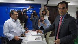 """Nieto destaca que el PP de Córdoba ha demostrado """"madurez"""" para hacer el cambio de Presidencia"""