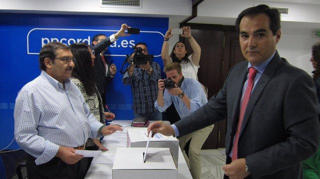 José Antonio Nieto vota para el XV Congreso del PP de Córdoba