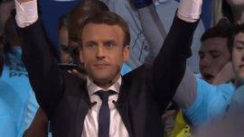 Macron se impone al Frente Nacional con la mitad de ventaja que logró Chirac en 2002