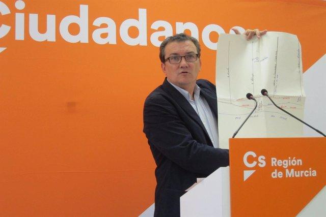 Miguel Garaulet en la sede de Ciudadanos