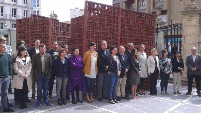 Comcentración en el Parlamento vasco por Forcadell