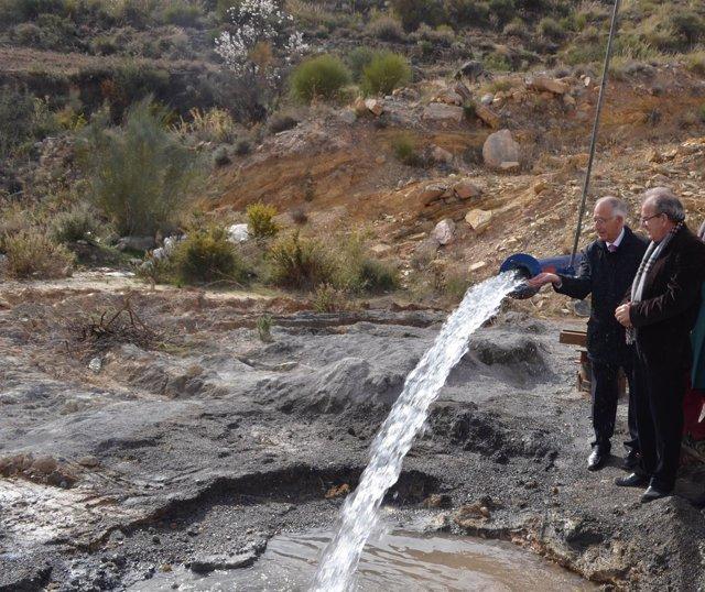 Gabriel Amat y Antonio Bonilla en una visita al Sondeo de 'Los Perichos'.