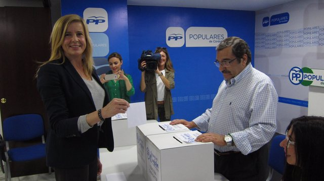 Rosario Alarcón en la votación