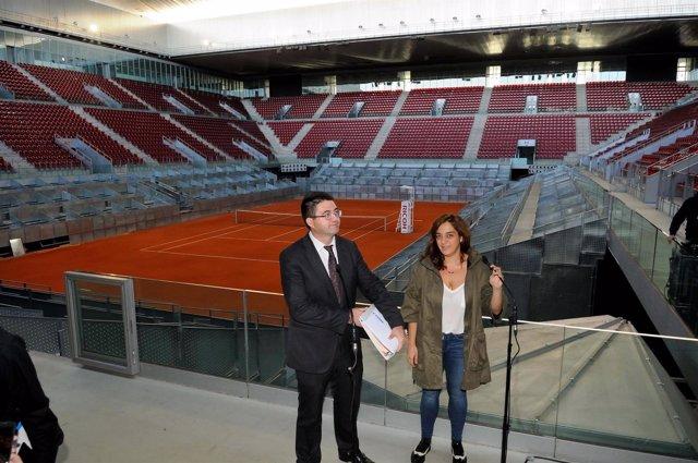 Carlos Sánchez Mato y Celia Mayer en la Caja Mágica
