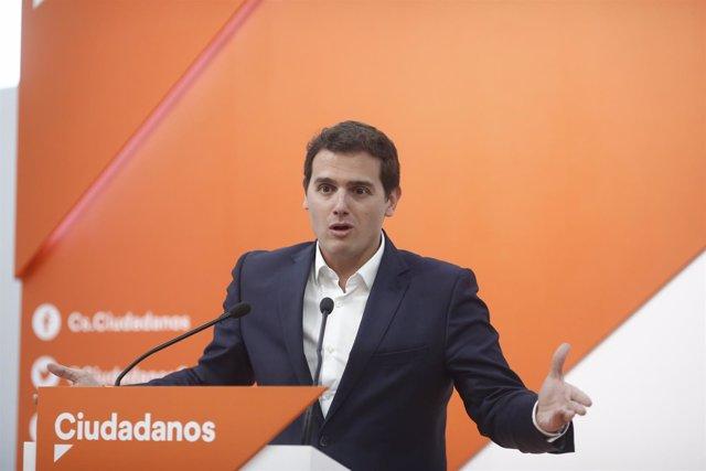 El presidente de Ciudadanos, Albert Rivera, en rueda de prensa