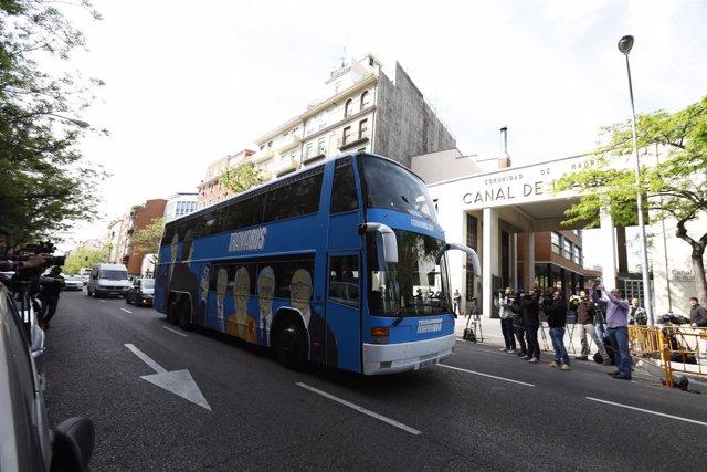 El tramabús de Podemos pasa por el Canal de Isabel II