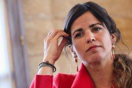 La juez cita como investigado al empresario que simuló besar a Teresa Rodríguez