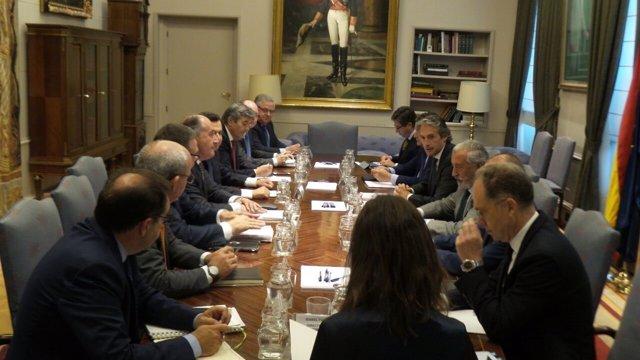 Reunión de representantes de Algeciras con el ministro de Fomento