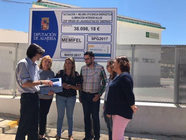 María López Asensio ha visitado el CEIP 'Virgen de las Angustias'.