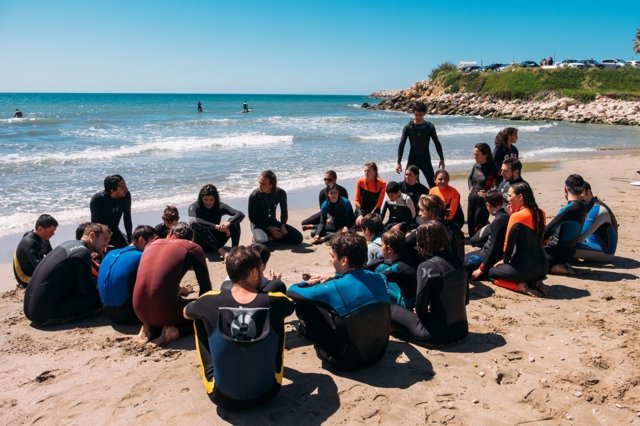 Més que Surf lanza un ciclo de surf terapéutico para niños con autismo
