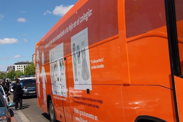 El nuevo bus de Hazte Oir que llega este martes a Oviedo.