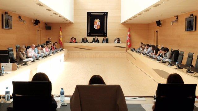 Comparecencia de De Santiago-Juárez en la Comisión de Economía y Hacienda