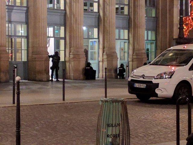 Operativo policial en la Estación del Norte (Gare du Nord) en París