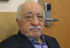 La Fiscalía de Turquía pide 3.623 cadenas perpetuas para el clérigo islamista Fetulá Gulen