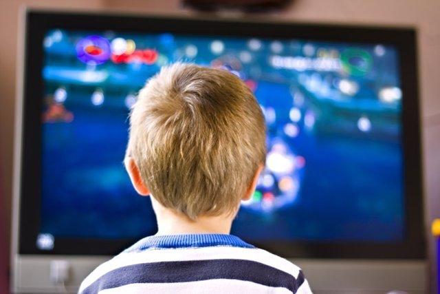 Televisión, niño, epilepsia fotosensible