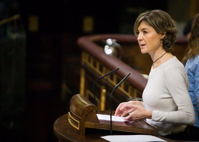 Isabel García Tejerina responde a una interpelación en el pleno del Congreso