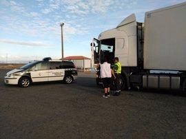 Interceptan a un conductor de un camión articulado que dio positivo por consumo de drogas
