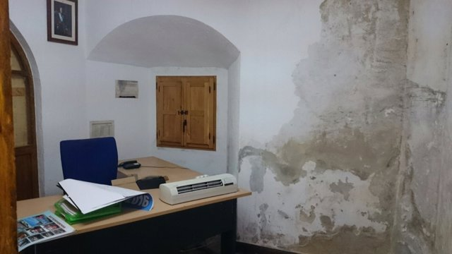 """Estado de """"ruina"""" en el que se encuentra el cuartel de Potes, donde está GREIM"""