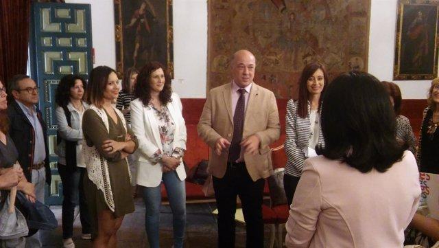 Antonio Ruiz da la bienvenida a las diputadas de igualdad andaluzas