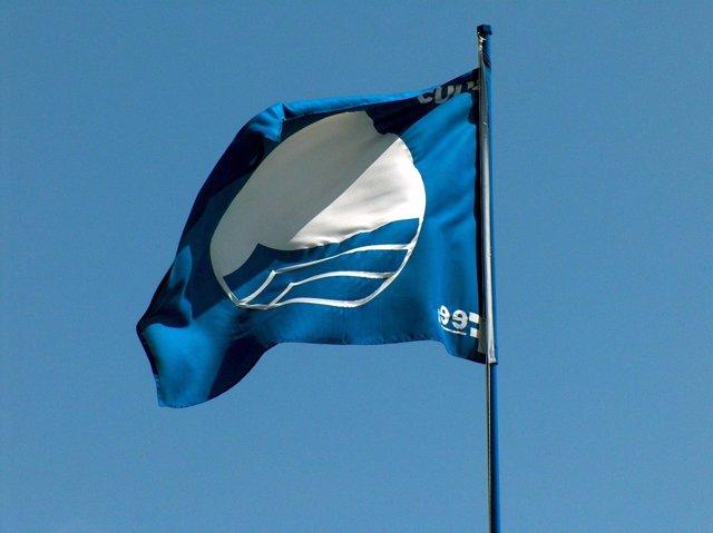 Una Bandera Azul Ondea En Punta Umbría.
