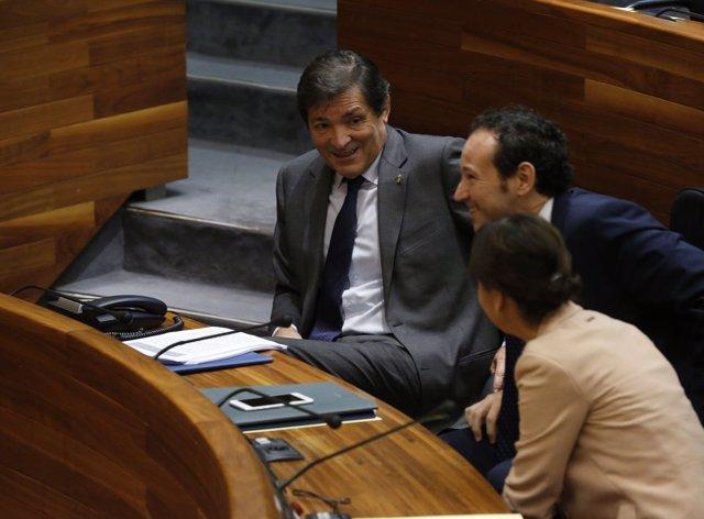 Javier Fernández, en la Junta