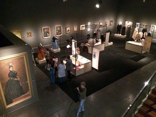 El Museu de Lleida expone indumentaria de los siglos XVIII, XIX y principios del