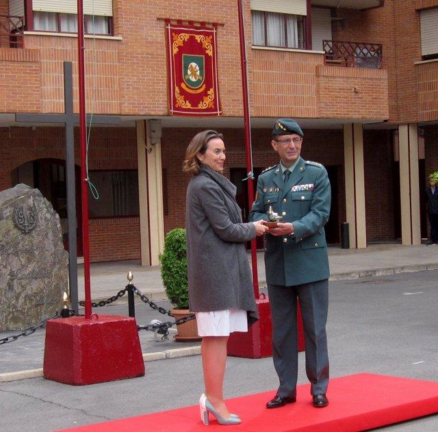 Gamarra entrega la Estrella de Europa al coronel jefe de la UAR
