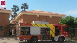 Los bomberos sofocan un incendio en la cocina de un centro de discapacitados de Borriol