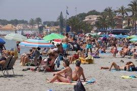 Casi una veintena de playas del Mar Menor pierden la 'Bandera Azul' este verano