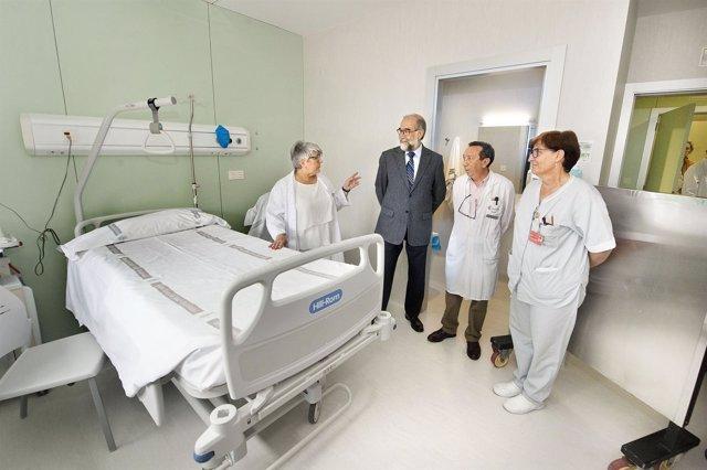 Domínguez, en una de las habitaciones de protección radiológica.