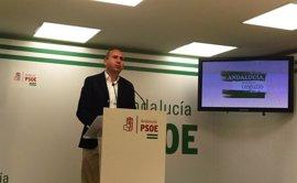 """El PSOE-A pide al PP-A que """"alce la voz"""" y diga a Rajoy que apoye las enmiendas a favor de los ayuntamientos"""