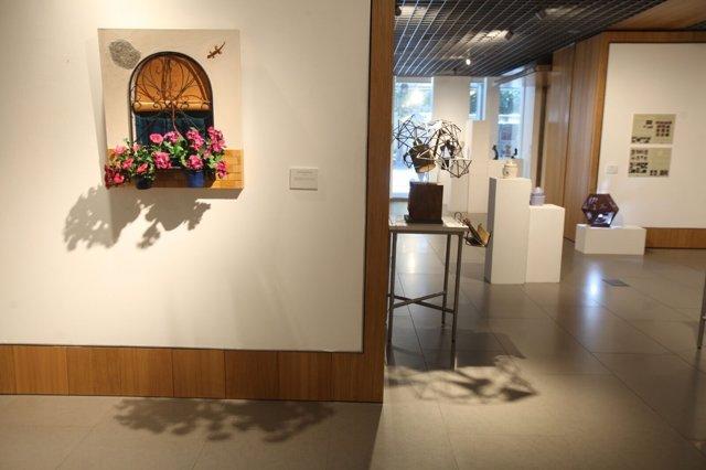 Algunas de las obras expuestas en la Fundación Cajasol