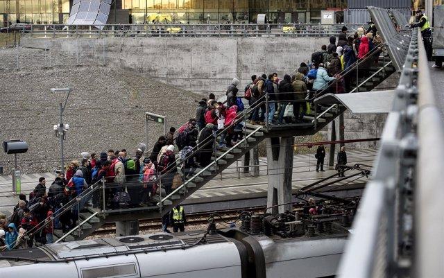 Línea de refugiados en la estación de Malmoe