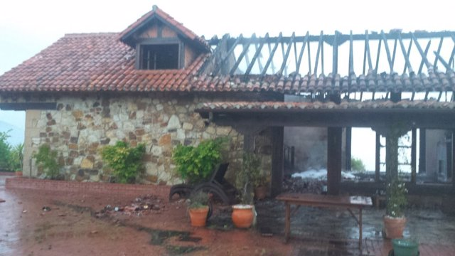 Cabaña incendida en Liérganes