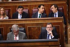 """Rajoy acusa al PDeCAT de dejar """"poco margen"""" para negociar sobre Cataluña y le reta a cambiar la Constitución"""
