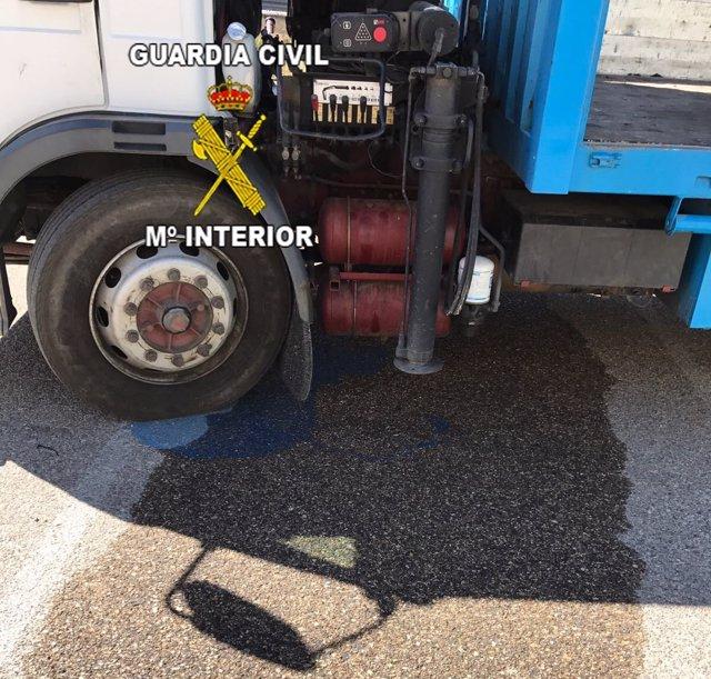 Camión al que se ha robado el gasoil