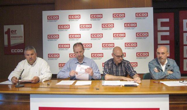 Responsables de CCOO en una rueda de prensa sobre incendios