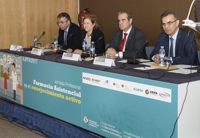 Consejo General de Colegios Farmacéuticos celebra jornada abordar envejecimiento