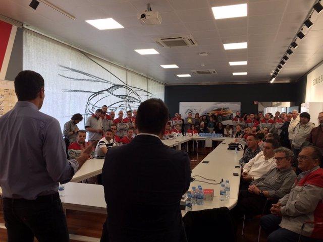 Sánchez se reúne con el presidente del comité de empresa de Seat