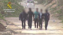 La Guardia Civil desarticula una organización que introdujo a 166 personas en Melilla de forma ilegal