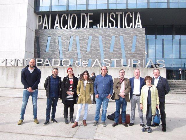 Concejales De Iu Y Xsp Antes De La Formalización Del Contencioso Contra La Moció