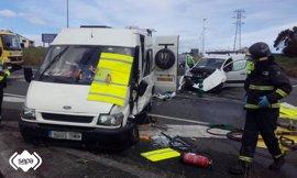 Tres personas resultan heridas leves en un accidente de tráfico en Coaña