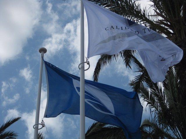 Bandera azul en Águilas.
