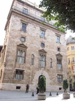 Palau de la Generalitat valenciana, Plaza de Manises