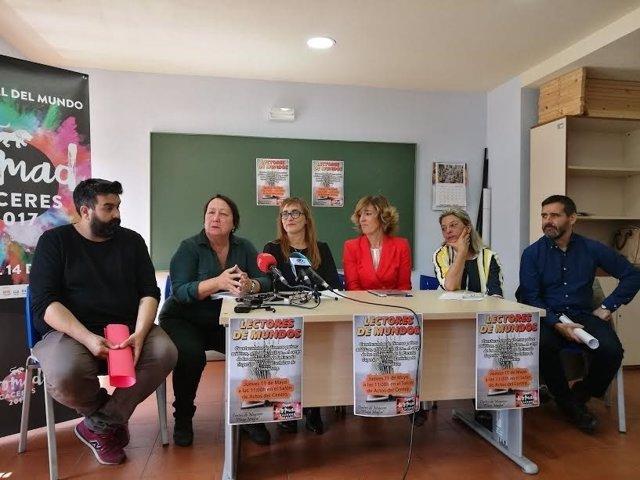 Presentación de 'Mundo palabras' del festival Womad Cáceres