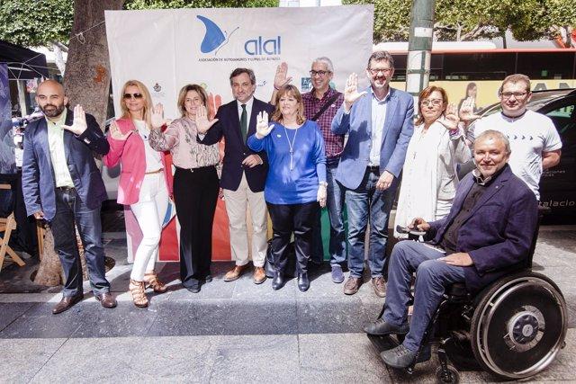 El diputado Ángel Escobar ha participado en los actos del Día Mundial del Lupus.