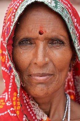 Miradas de la India en la Sala Pintores 10 de Cáceres