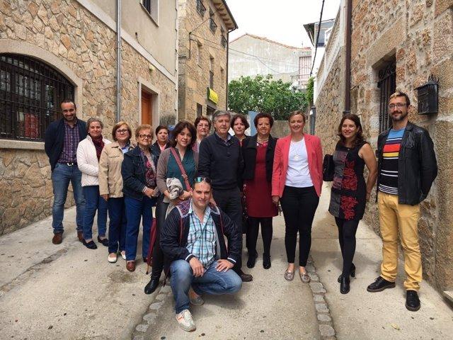 Blanca Martin en su visita a la comarca de Sierra de Gata