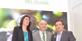 La Interprofesional del Aceite de Orujo de Oliva y CaixaBank se alían en el marco de Expoliva